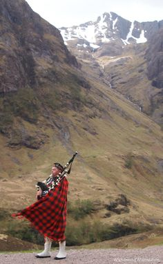 In the Scottish Highlands when the mist is covering the mountains you will hear a lonely  piper play a old lament that echos through the hills. Oh take me back to Bonnie Scotland.