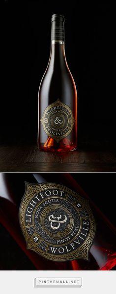 L&W Pinot Rose wine label designed by Chad Michael Studio (USA) - http://www.packagingoftheworld.com/2016/01/l-pinot-rose.html