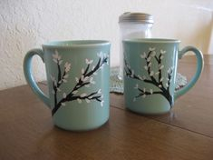 Hand Painted Coffee Mugs With Trees and White by Dustyroadgurl Pottery Painting Designs, Pottery Designs, Pottery Ideas, Painted Coffee Mugs, Hand Painted Mugs, Painted Wine Bottles, Painted Wine Glasses, Diy Wine Glasses, Paint Your Own Pottery