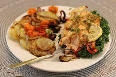 Crap la cuptor - cu lămâie şi usturoi | Epoch Times România Crap, Turkey, Chicken, Food, Turkey Country, Essen, Meals, Yemek, Eten