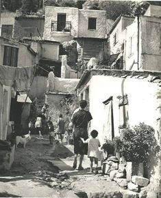The Secret Greece is a cultural portal showcasing articles for Greece, suggesting destinations, gastronomy, history, experiences and many more. Greece in all Greece Pictures, Old Pictures, Old Photos, Vintage Photos, Greece Photography, Still Photography, Greece History, Old Greek, Athens Greece