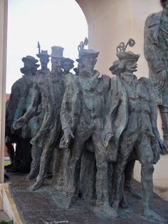 The Thirteen Martyrs of Arad...  http://themichmashcenter.blogspot.com/2011/07/two-statues-in-arad-romania-and.html