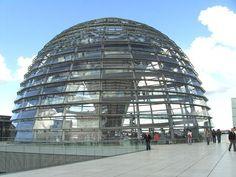 Famous Architects - Norman Foster - Reichstag New German Parliament Berlin… Norman Foster, Unique Architecture, Futuristic Architecture, Urban Landscape, Landscape Photos, Places Around The World, Around The Worlds, Building Images, Famous Architects