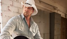 Trace Adkins: former FFA member Best Country Singers, Best Country Music, Country Music Artists, Country Songs, Country Videos, Trace Adkins, Bluegrass Music, Cool Countries, Song Quotes