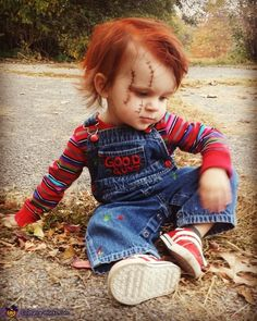 Take a look at the toddler Chucky costume which went hugely viral. Discover the simple instructions to make this super creepy DIY costume. Toddler Chucky Costume, Toddler Boy Halloween Costumes, Pregnant Halloween Costumes, Kids Costumes Boys, Halloween Costume Contest, Funny Toddler Costumes, Costume Ideas, Baby Girl Halloween, Chucky Halloween