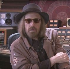 Police have foiled a theft of the late Tom Petty's unreleased music - Someone into a San Fernando Valley storage unit, which contained guitars, other instruments, guns and hard drives loaded … Jakob Dylan, Classic Rock And Roll, Tom Petty, Police, Toms, Guitars, Instruments, Interview, Music