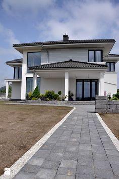 Aranżacje wnętrz - Domy: Projekt domu Riwiera - MG Projekt Projekty domów. Przeglądaj, dodawaj i zapisuj najlepsze zdjęcia, pomysły i inspiracje designerskie. W bazie mamy już prawie milion fotografii!