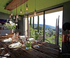 Quand le plafond se met au vert // http://www.deco.fr/photo-deco/decoration-salle-a-manger_vert/
