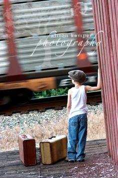 Train station Creative Photography, Photography Ideas, 70th Birthday, Running Away, Diy Hacks, Color Schemes, Photoshoot, Train Stations, Adventure Awaits