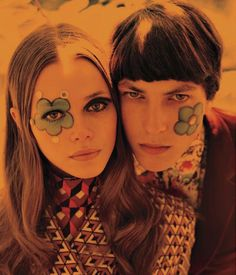 hippie makeup 215609900896812699 - Mundane Baggy Fashions : Lonely Hearts AW 2013 Source by Hippie Face Paint, Hippie Painting, 1970 Style, Hippie Makeup, Psychedelic Fashion, 70s Aesthetic, Happy Hippie, Hippie Baby, Retro Mode