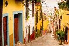 Le caratteristiche vie di San Miguel de Allende, dichiarata città magica. #mexico #messico #sanmigueldeallende #viaggi #viaggiare #travel