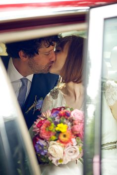 Just married kiss | onefabday.com