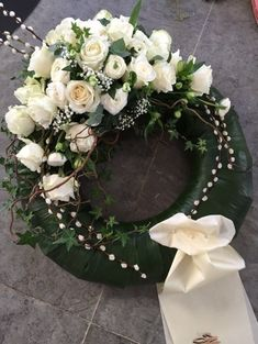 Flower Wreath Funeral, Funeral Flowers, Funeral Floral Arrangements, Flower Arrangements, Bridal Shower Wreaths, Casket Sprays, Sympathy Flowers, Flower Fashion, Flower Decorations