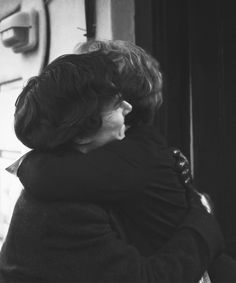 Mrs. Hudson, the only person Sherlock hugs. <3