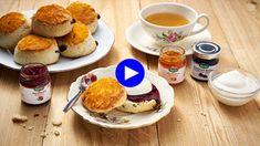 Wordt 2018 het jaar van de scones? Als wij mogen beslissen, mag het oer-Britse gebakje gerust de nieuwe desserthype zijn. Luchtig, zoet, stevig, ha...