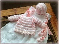 Wool, angora and baby perlé: Model 19 Crochet For Kids, Crochet Baby, Knit Crochet, Knitted Baby Clothes, Baby Socks, Baby Knitting, Baby Car Seats, Baby Shower, Wool