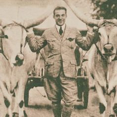 Rudolph Valentino loved animals:)                                                                                                                                                                                 More