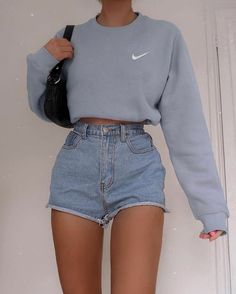 Adrette Outfits, Indie Outfits, Teen Fashion Outfits, Girly Outfits, Retro Outfits, Look Fashion, Peach Outfits, Big Shirt Outfits, Tomboy Fashion