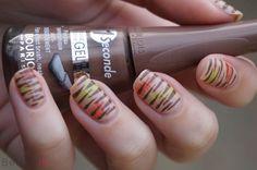 DIY Nail Art | Fashionable Stripes ~ Beautyill | Beautyblog met nail art, nagellak, make-up reviews en meer!