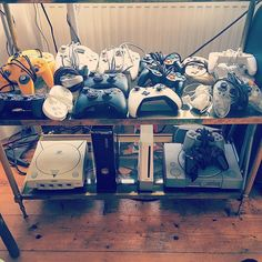 On instagram by retrogamesnanime #dreamcast #microhobbit (o) http://ift.tt/2fMB4eY of my controllers  #controllers #xbox  #xbox360 #xboxone #instagood #wii #snes #gamecube #wiiu #nintendo #goldencontroller #sony #ps1 #ps2 #ps3 #ps4 #n64 #pokemon  #collection #videogames