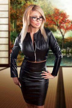 Leather woman zzz