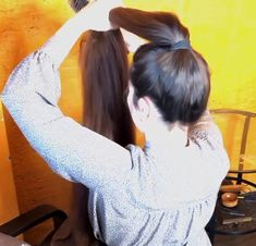 VIDEO - Mila's heavy ponytail - RealRapunzels Long Hair Ponytail, Long Ponytails, Bun Hairstyles For Long Hair, Hair Buns, Super Long Hair, Making Waves, Beautiful Long Hair, How To Make Hair, Watch V