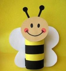 Toilet Paper Roll Crafts - Get creative! These toilet paper roll crafts are a great way to reuse these often forgotten paper products. You can use toilet paper Bee Crafts, Easy Crafts For Kids, Craft Activities For Kids, Summer Crafts, Toddler Crafts, Crafts To Do, Preschool Crafts, Projects For Kids, Diy For Kids