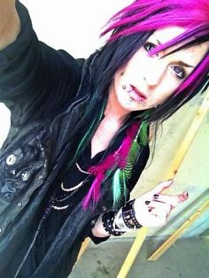 Seike from ex Seremedy. A pic from when they shot the music video of NO ESCAPE.