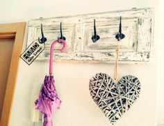 Perchero vintage de madera con ventana decapada, romántico coat hanger old wood with stripping window, romantic, handmademaniadecor, HMMD