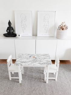 Some of the easiest Ikea hacks require no handyman skills whatsoever. All you really need is a roll of removable wallpaper — and a steady scissor-wielding hand. These 11 Ikea hacks promise simple yet swoon-worthy transformations. Best Removable Wallpaper, Diy Wallpaper, Home Decor Items, Diy Home Decor, Tabletop, Diy Tapete, Kids Play Table, Latest Wallpapers, Layout