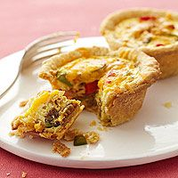 breakfast pies! make ahead of time and freeze them for those busy mornining you can pop them in the microwave.