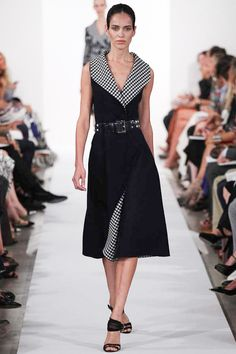 Oscar de la Renta Spring 2014 Ready-to-Wear Collection Slideshow on Style.com