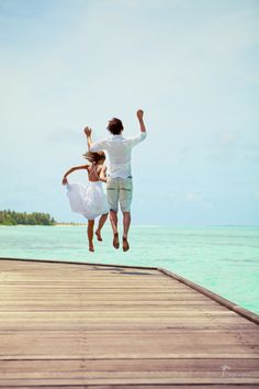 Having fun in Maldives #honeymoon #bride #islands Click the picture to see the whole photoshoot!
