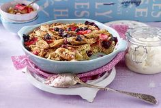 Unser beliebtes Rezept für Haferflocken-Crumble mit Rhabarber und mehr als 55.000 weitere kostenlose Rezepte auf LECKER.de. Acai Bowl, Macaroni And Cheese, Cereal, Brunch, Breakfast, Ethnic Recipes, Desserts, Food, Fitness