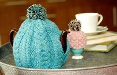 hand knit tea cozy