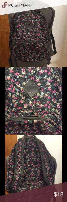 Mossimo floral backpack Pre-owned in great condition  Inside zip pocket Mossimo Supply Co Bags Backpacks