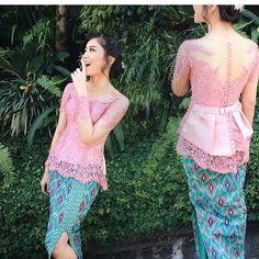 inspired by @suciiedalup  Berbagi inspirasi dan model model kebaya kamu tag @kebayacantikindonesia    #kebaya #kebayabridesmaid #bridesmaid #dress #dresskebaya #kebayagaun #kebayamodern #inspirasikebaya #lovekebaya #kebayaindonesia #batik #inspirasiwanita #wedding #kebayapesta #kebayapengantin #batik #batikkebaya #kebayadress #batikdress #kainbatik #gaunpesta #prewedding #kebayaresepsi #engagement #kebayawisuda #wisuda #kebayajawa #kutubaru #batakwedding Kebaya Peplum, Kebaya Lace, Kebaya Hijab, Kebaya Brokat, Batik Kebaya, Kebaya Muslim, Batik Dress, Myanmar Traditional Dress, Thai Traditional Dress