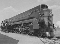 A modern locomotive exhibited for the 1939 New York World's Fair. This is the Canadian National Railways class Northern New York Central Railroad, Union Pacific Railroad, Diesel Locomotive, Steam Locomotive, Old Train Pictures, Canadian National Railway, National Railways, Steam Turbine, Old Trains