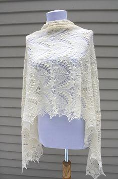 Estonian Lace shawl with Nupps, Silvia, natural white