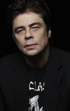 BENICIO DEL TORO there is just something about him! Wooo #SunshinyDre
