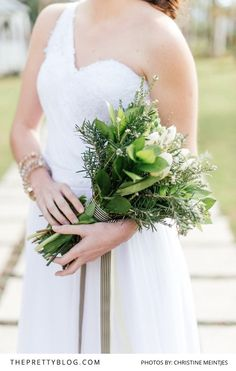 Beautiful natural neutral bouquet and simple dress | The Franschhoek Cellars | Bouquet by My Lady Weddings | Photograph by Christine Meintjes
