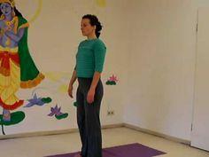 Yogastunde im Stehen - 10 Minuten - mein.yoga-vidya.de - Yoga Forum und Community