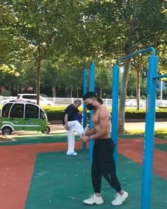 Funny Short Videos, Funny Video Memes, Funny Relatable Memes, Funny Jokes, Gym Workout Videos, Kickboxing Workout, Cool Dance Moves, Wow Video, Amazing Gymnastics