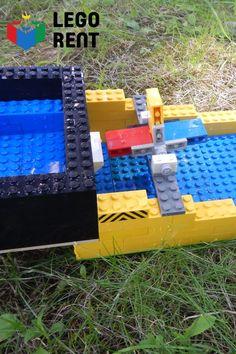 Voda a Lego sú zárukou zábavy na letné dni. Picnic Blanket, Outdoor Blanket, Lego, Legos, Picnic Quilt