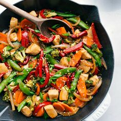 Skip the take out, this Chicken Stir Fry is the real deal. Packed with fresh sautéed veggies, flavorful chicken, and an addictive savory sauce all ready in 30 minutes or less! Recipe via chelseasmessyapron One Pan Dinner Recipes, One Pan Meals, Dessert Recipes, Stir Fry Recipes, Cooking Recipes, Sauce Recipes, Be The Best Version Of You, Easy Chicken Stir Fry, Healthy Chicken