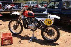 1992 CZ400- 1978 technology. Enduro Vintage, Vintage Motocross, Vintage Bikes, Dirt Bike Racing, Dirt Biking, 2 Stroke Dirt Bike, Motocross Bikes, Bike Rider, Bikers