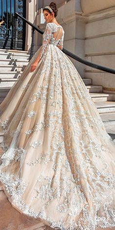 15 Sweet Ivory Wedding Dresses: Must Have For Brides - - Wedding day is the most happiest day in a life of every bride. To look great and charming you can choose ideal ivory wedding dresses for your celebration. Princess Wedding Dresses, Dream Wedding Dresses, Designer Wedding Dresses, Bridal Dresses, Wedding Gowns, Ivory Wedding, Beaded Dresses, Tulle Wedding, Wedding Venues