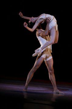 Victoria Jaiani and Fabrice Calmels, Joffrey Ballet, Chicago, Illinois, USA - Photographer Herbert Migdoll