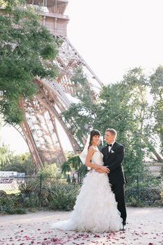 Elope in #Paris? What a romantic #destination #wedding idea! Photo by One and Only Paris Photography  For more on Paris, France: www.georama.com/...