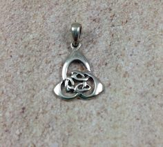 Celtic Trinity Knot Charm, sterling silver, 1 charm, 1 inch by marketplacebeads on Etsy